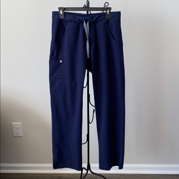 Figs Kade scrub pant size Medium in Navy Blue